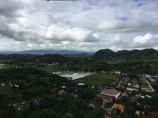 チェンライ県ワットフアイプラガンの観音像の23階からの景色 2