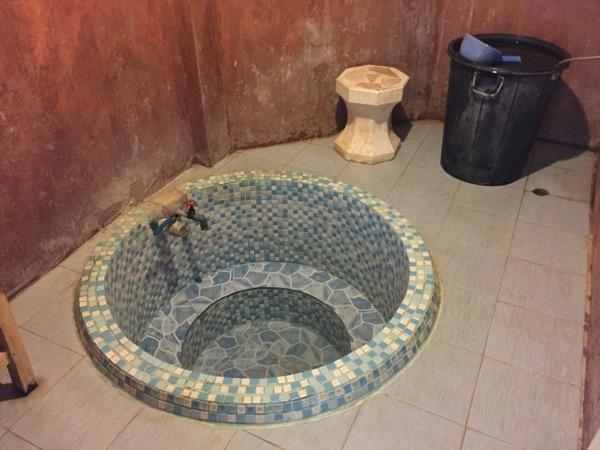 ポンプラバート温泉の湯船