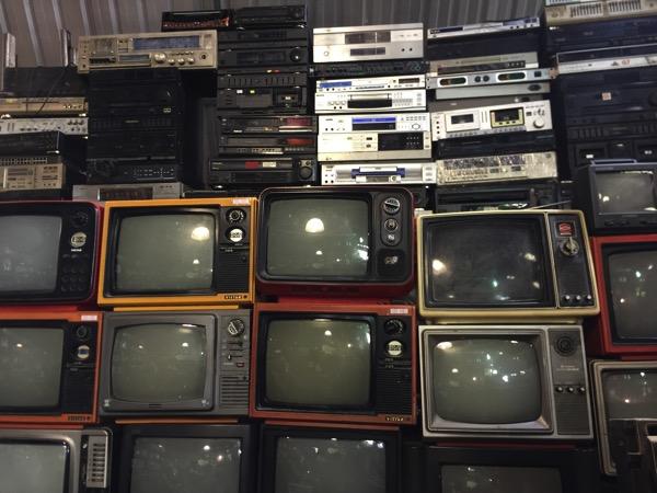 チェンマイのノンホイリサイクルセンターのビデオデッキ