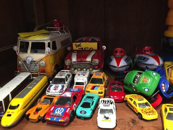 チェンマイのノンホイリサイクルセンターのブリキのおもちゃ 2