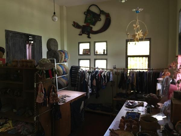 ウンマラーイのhandroomの店中 1