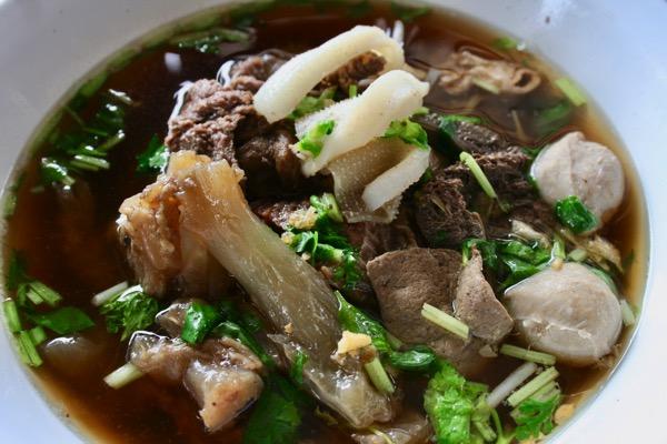 牛肉のタイラーメン センレックヌアツゥム