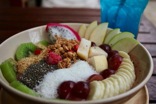 チェンマイのFRUIT PULSE Healthy juice barのアサイーボウル