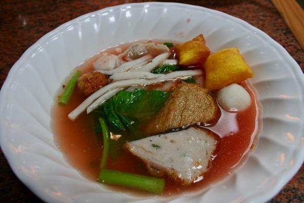 紅腐乳スープのタイラーメンクワイティアオエンタフォー