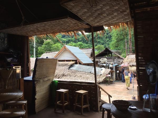 ボーグルア村のカカフェ 3