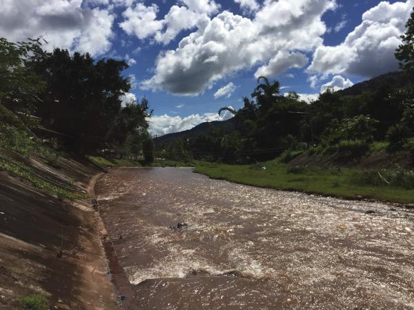 ボーグルアの川