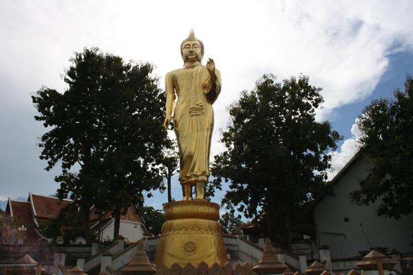 ワットプララートカオノーイの仏像