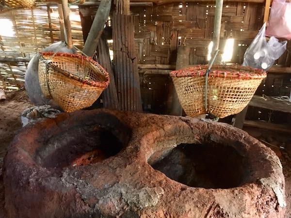 タイ北部ナーン県の山奥にある世界的にも珍しい塩の村