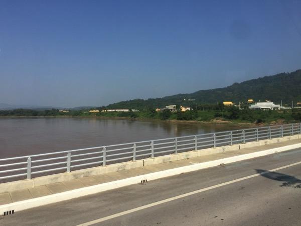 第4友好橋から望むメコン川