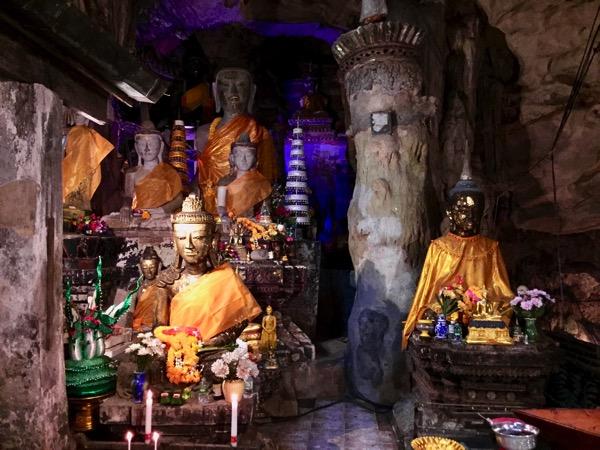 チェンダオ洞窟の仏像 3