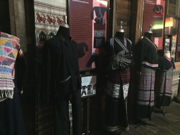 タイルー族博物館の多種多様な織物 4