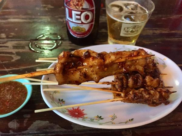 チェンマイで流行っている麻辣味(マーラー)味の串焼き