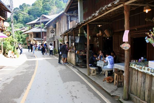 メーカンポン村へのアクセスとおすすめ観光スポット 7 選
