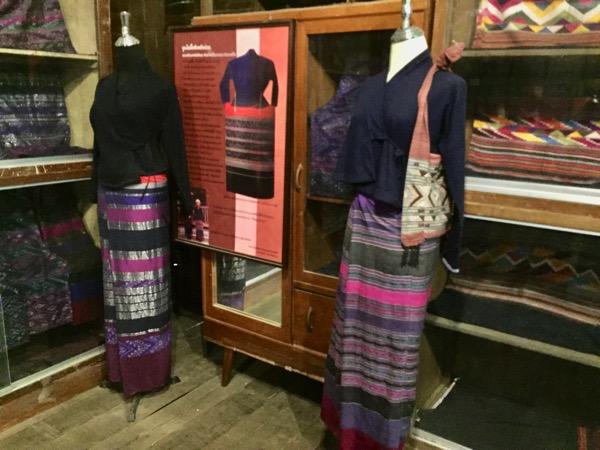 タイルー族博物館の多種多様な織物 3