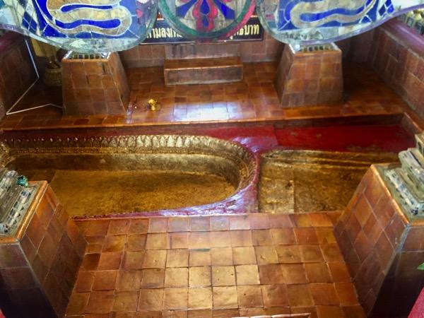 ワットプラプッタタークパーの仏陀の足跡