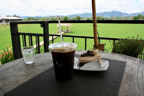 チェンラーイの田園カフェ