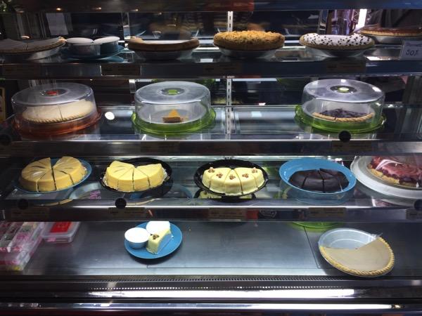 チェンマイ-チャリンパイのケーキ