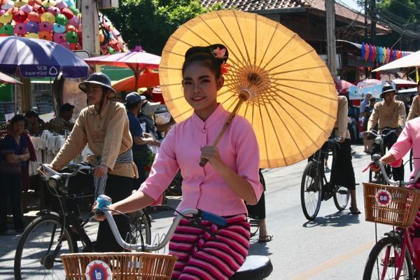 ボーサン祭り-美女軍団の自転車パレード-1