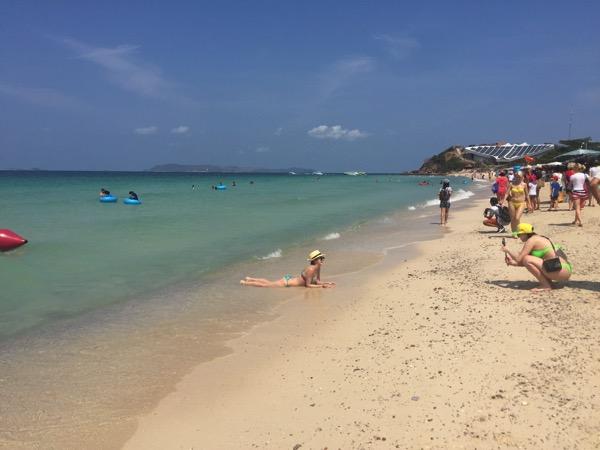 サマエビーチの中国人
