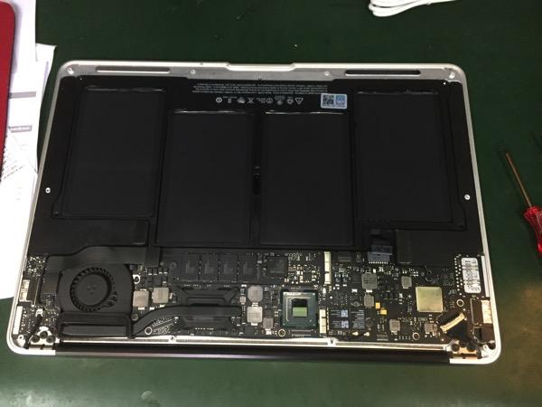 MacBook Airの内部掃除