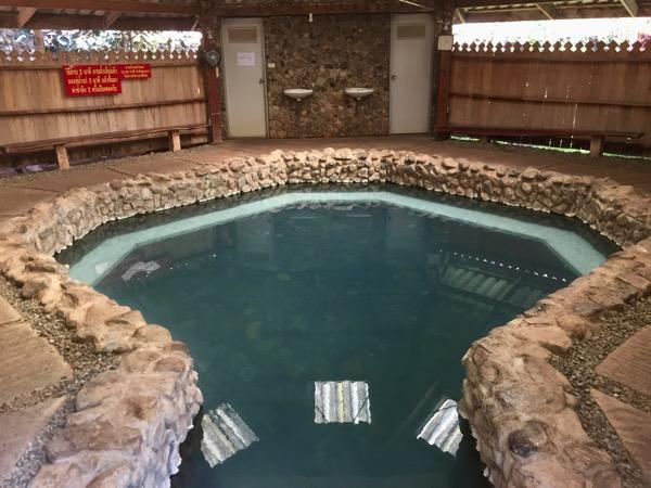 チェンマイ - ポーグワン温泉の大湯船