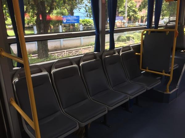 チェンマイスマートバスの車内の様子