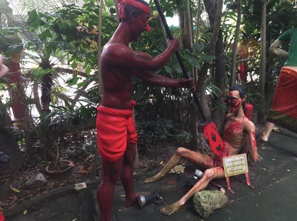 チェンマイの地獄寺で不倫をした者が落ちる地獄(男)