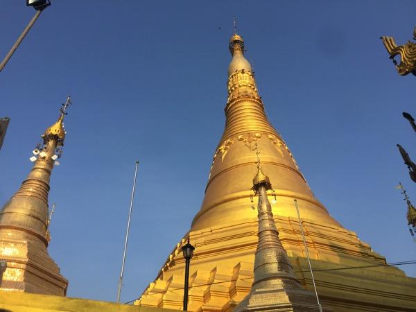 メーソート寺院-ワットマニープライソンの仏塔