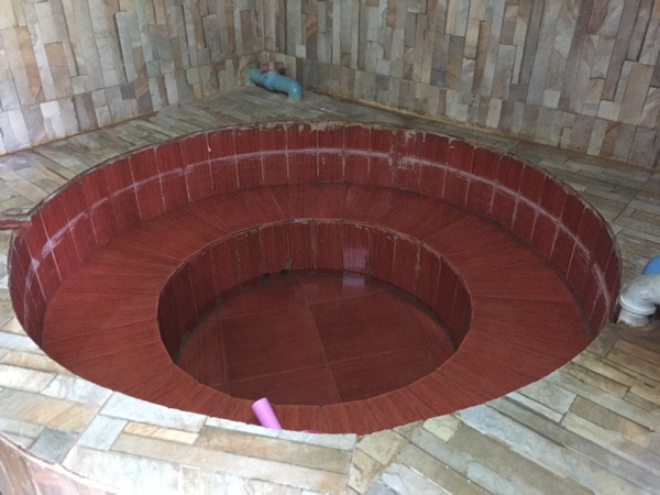 メーソートのメーガザ温泉の小さい個室