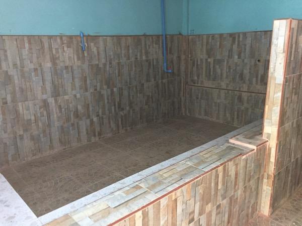メーソートのメーガザ温泉の大きい個室