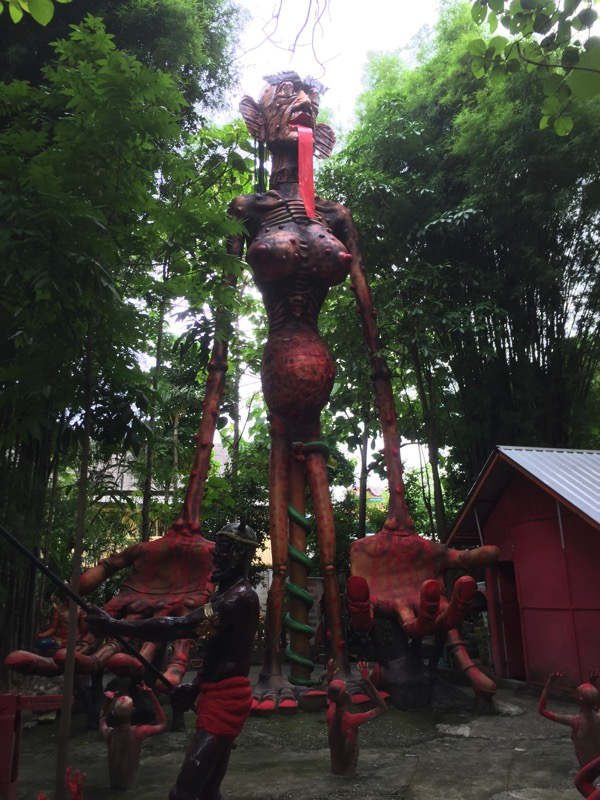 チェンマイ地獄寺の巨大餓鬼
