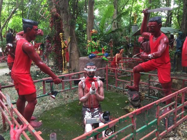チェンマイの地獄寺で嘘ついた者が落ちる地獄