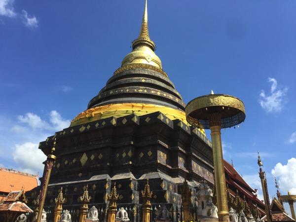 ワットプラタートラムパーンルアンの仏塔
