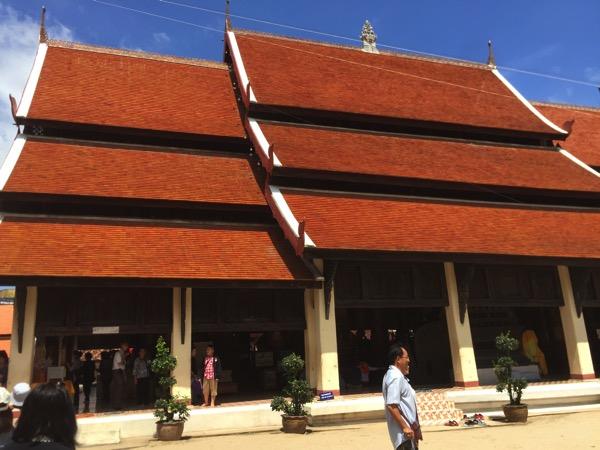 ワットプラタートラムパーンルアンの仏堂