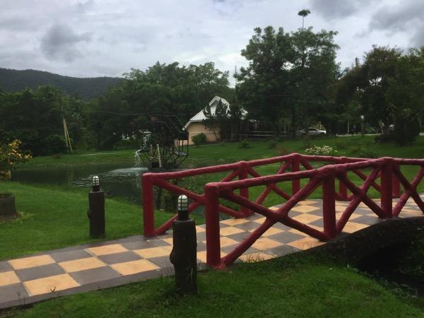 サンカムペーン温泉の園内の橋