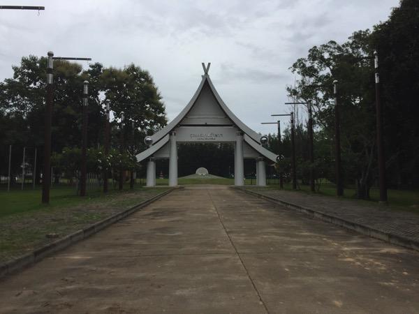 イーペンランナーインターナショナルのコムローイ会場であるドゥドンカサターランナーという礼拝所の入り口