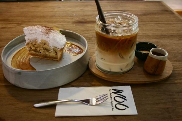 チェンマイ-Woo-Cafeのバナフィとラテ
