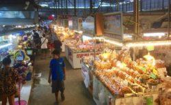 チェンマイのお土産が豊富!スーパーハイウェイ最大規模のドライブイン