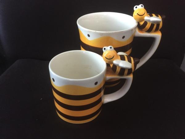 ハチの3Dマグカップ