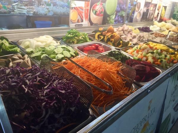 タニン市場のカット野菜