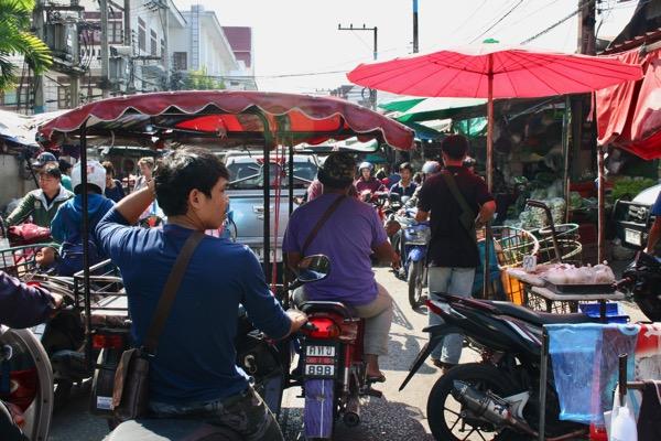 チェンマイのムアンマイ市場の雰囲気-2