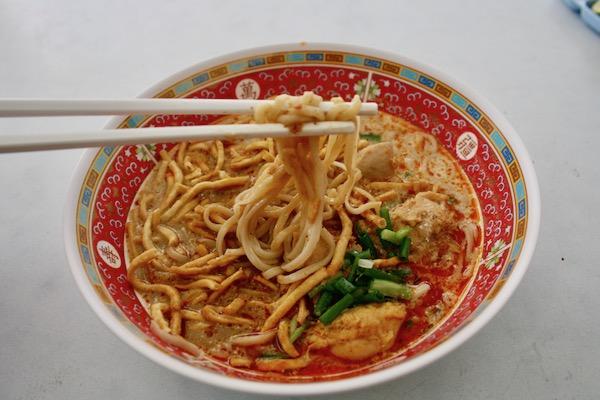 カオソーイイスラムの鳥のカオソーイの麺