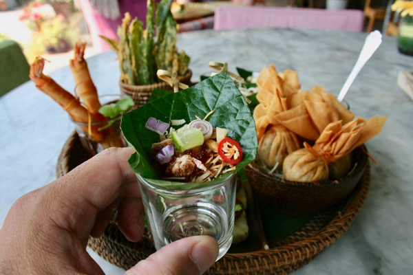 チェンマイのレストランのミヤンカム