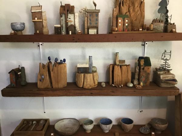 バーンカーンワットのBookoo Studio陶器の置物