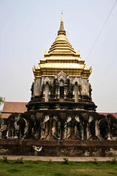 ワット・チェンマンのゾウの仏塔