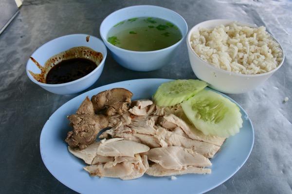 カオマンガイ・ナンターラームの茹で鶏肉別盛り