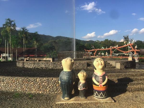 チェンライパートゥン温泉の中央の噴水