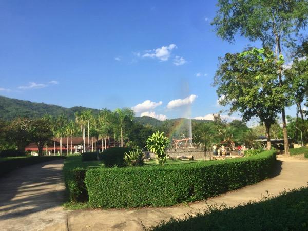 チェンライパートゥン温泉の園内