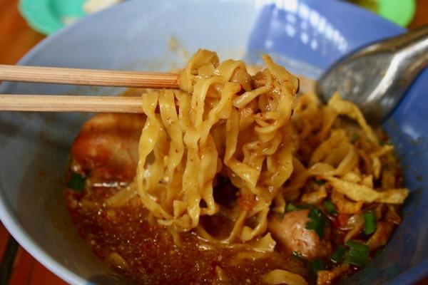 カオソーイ・ラムドゥアン1号店のカオソーイの麺