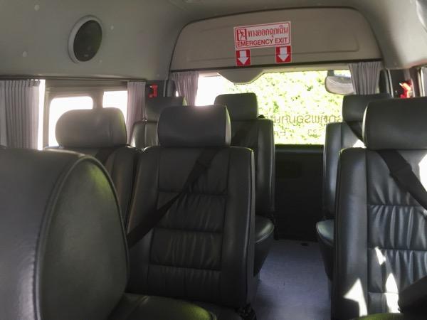 チャーターワゴンタクシーの車内
